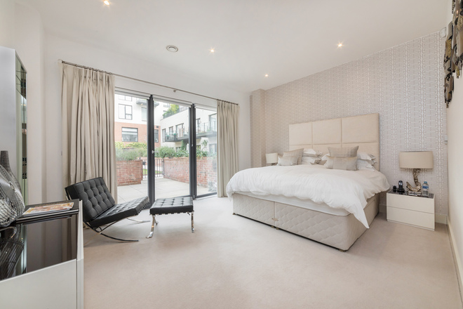 FAIRMONT MEWS , LONDON NW2 2BR