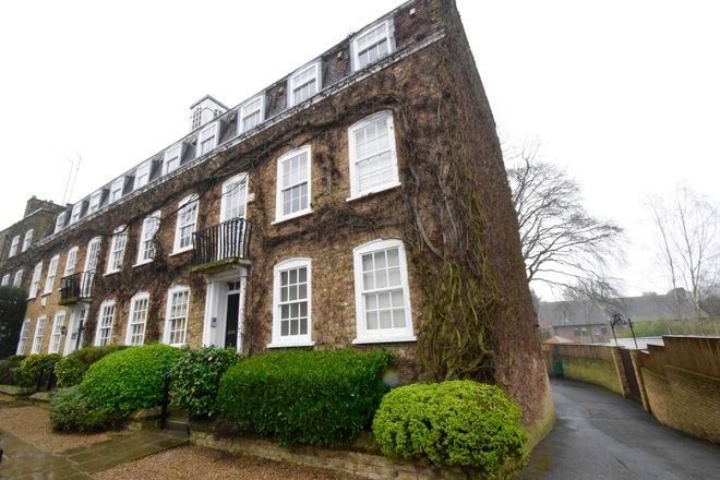 HOGARTH COURT, NORTH END, OFF NORTH END ROAD, LONDON NW3 7HJ