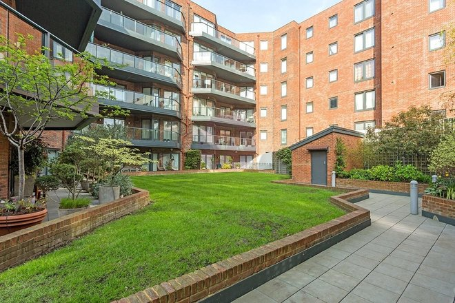 WEST HEATH PLACE, HODFORD ROAD, London NW11 8NL