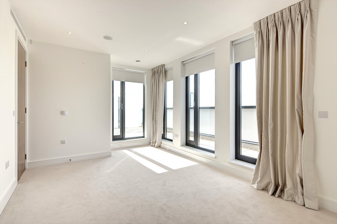 3 FAIRMONT MEWS, FINCHLEY ROAD, London NW2 2BR