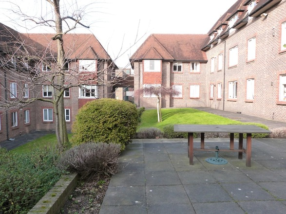 BIRNBECK COURT, FINCHLEY ROAD, LONDON NW11 6BB