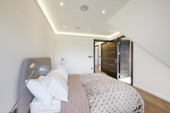 NOBLE HOUSE, WOODSTOCK ROAD, LONDON NW11 8ES